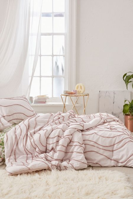 Comforters, Quilts + Blankets | Urban Outfitters : comforters quilts - Adamdwight.com
