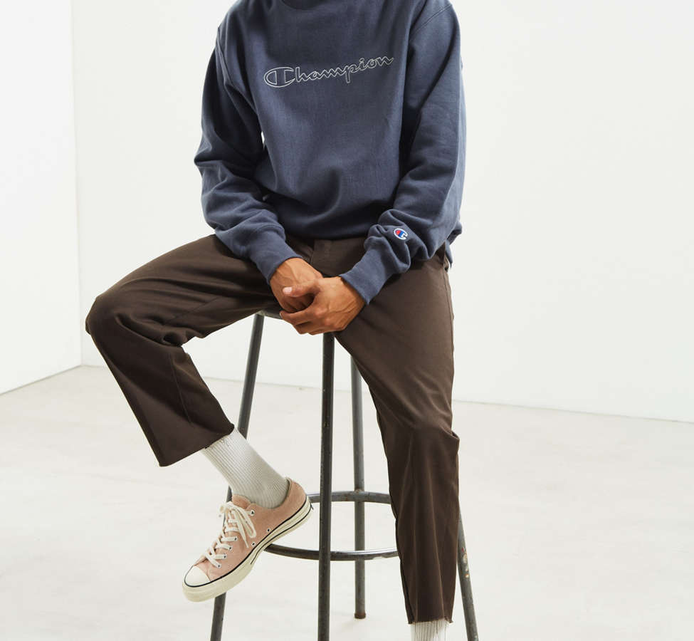 Slide View: 6: Champion & Urban Outfitters Script Logo Crew Neck Sweatshirt