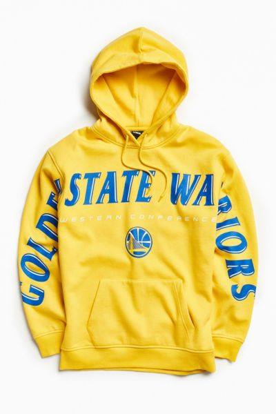NBA Golden State Warriors Wingspan Hoodie Sweatshirt - Gold S at Urban Outfitters