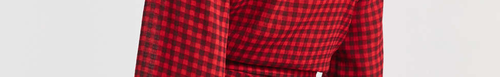 Thumbnail View 3: UO Cropped Gingham Wrap Blouse