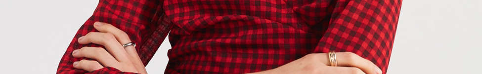 Thumbnail View 4: UO Cropped Gingham Wrap Blouse