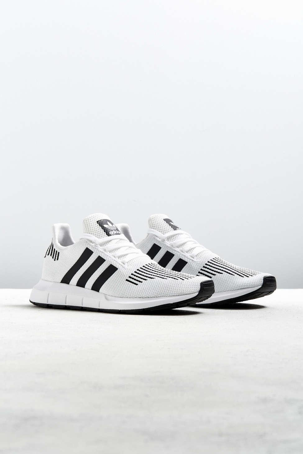 swift run urban outfitters scarpe adidas