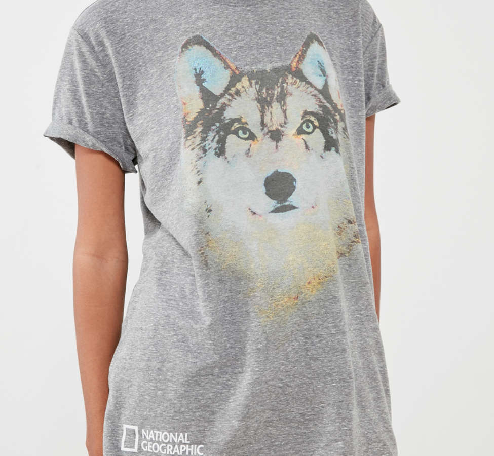 Slide View: 1: National Geographic Wolf Tee
