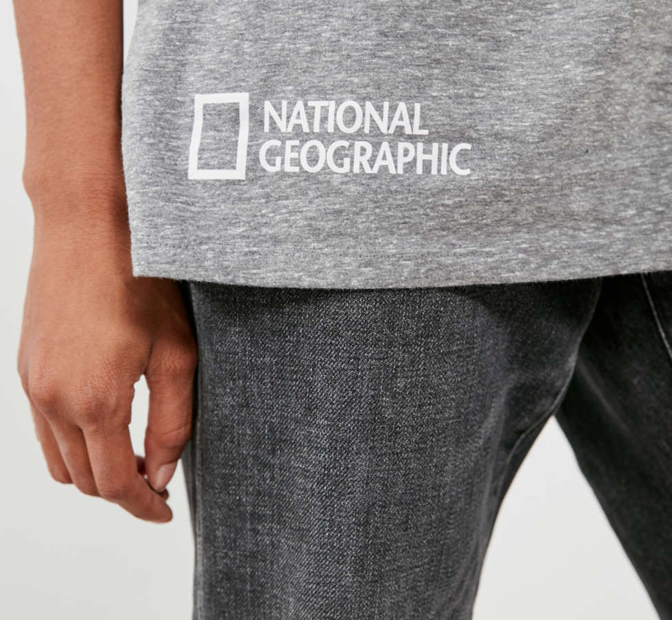 Slide View: 3: National Geographic Wolf Tee