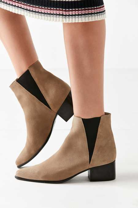 Pola Suede Chelsea Boot
