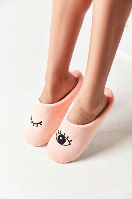 UO Winky Eye Slipper