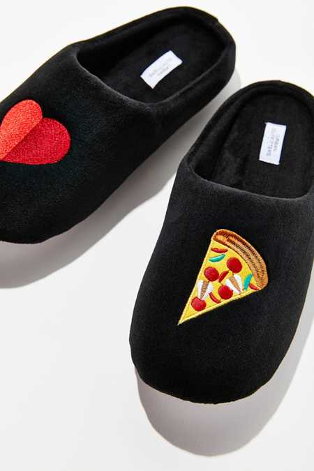 UO Pizza Slipper