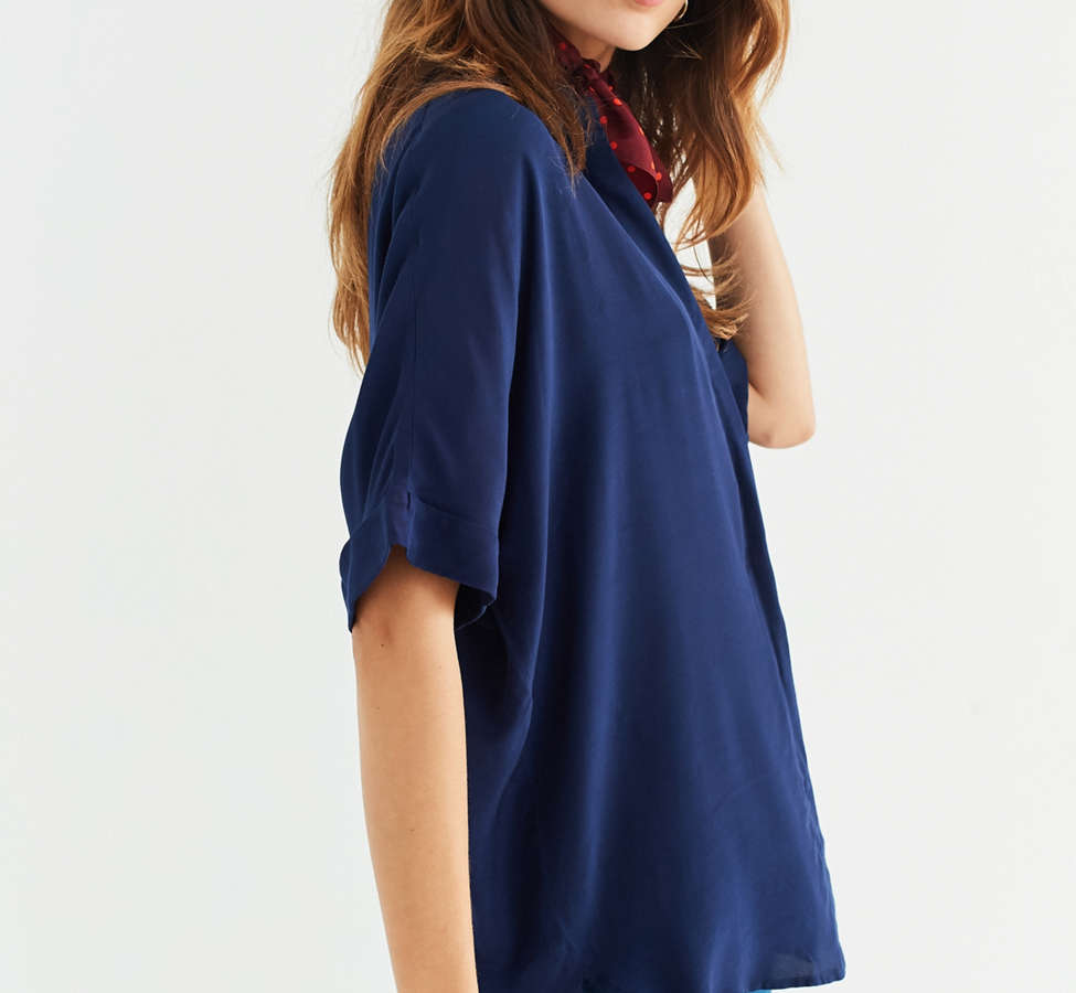 Slide View: 2: UO Oversized Short Sleeve Button-Down Top