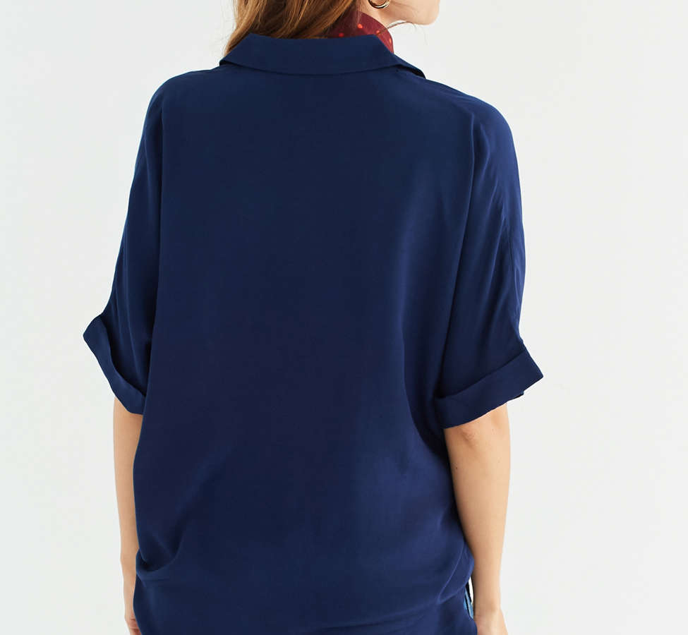 Slide View: 5: UO Oversized Short Sleeve Button-Down Top