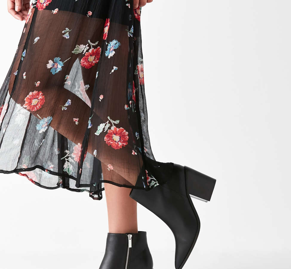 Slide View: 1: Nori Pointy-Toe Ankle Boot