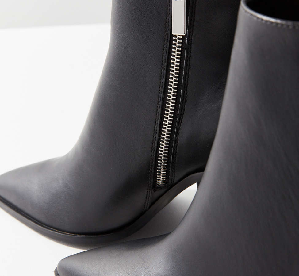 Slide View: 5: Nori Pointy-Toe Ankle Boot