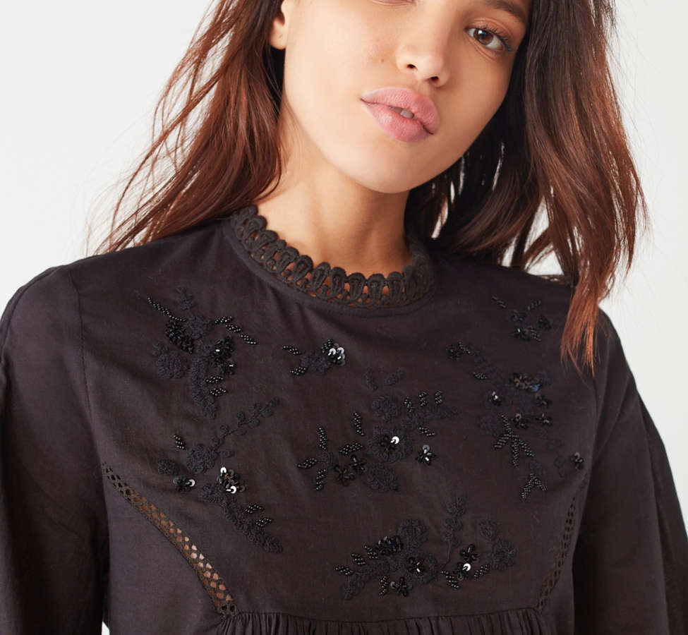 Slide View: 4: UO Victoria Embroidered Mock-Neck Blouse
