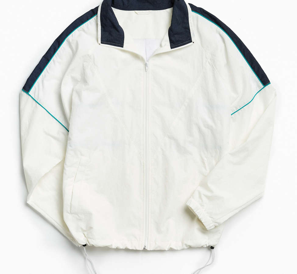 Slide View: 1: UO Mixed Fabric Crinkly Windbreaker Jacket
