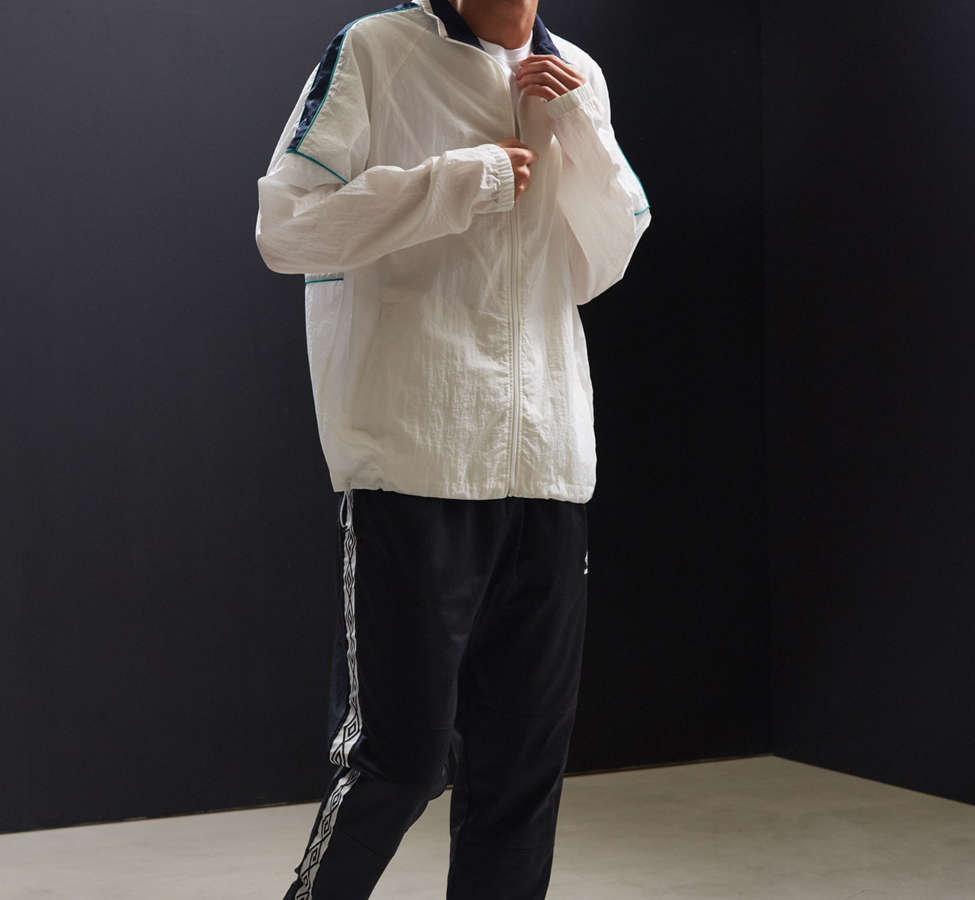 Slide View: 6: UO Mixed Fabric Crinkly Windbreaker Jacket