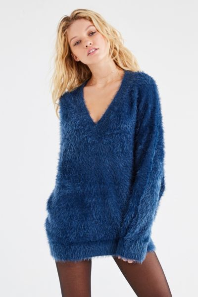 UO Oversized Fuzzy Sweater - Blue XS at Urban Outfitters