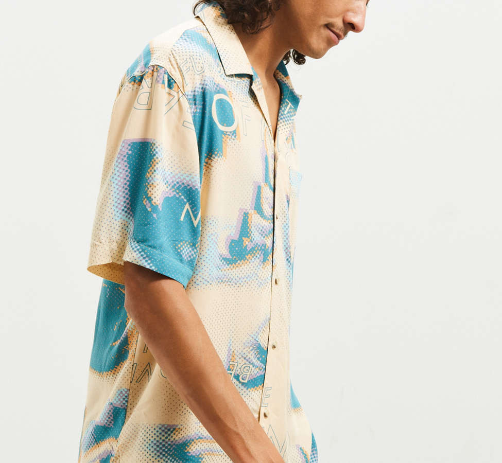 Slide View: 4: UO Future Eyes Rayon Short Sleeve Button-Down Shirt