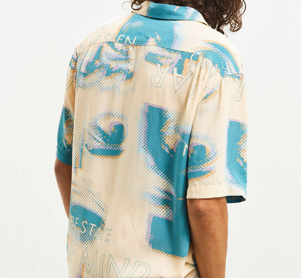Slide View: 5: UO Future Eyes Rayon Short Sleeve Button-Down Shirt
