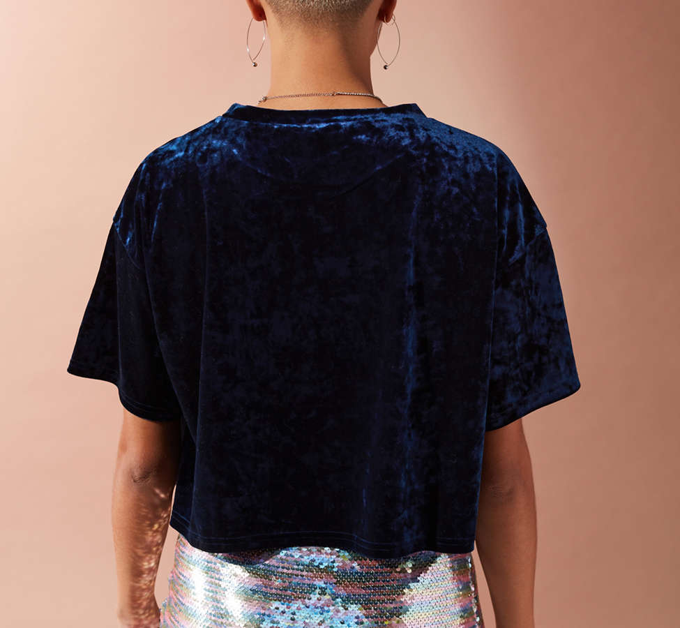 Slide View: 6: UO Cropped Velvet Tee