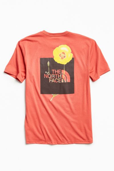 The North Face Bottle Source Tee - Red S at Urban Outfitters