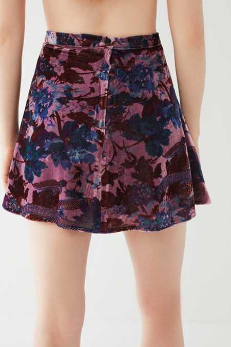 Slide View: 6: UO Cher Velvet A-Line Mini Skirt
