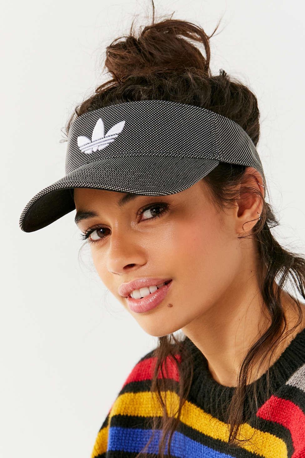 Adidas Originals Trefoil visera Urban Outfitters