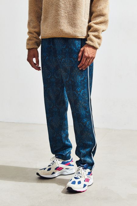 Men s Track Pants + Joggers   Urban Outfitters 1281a0bb3a73