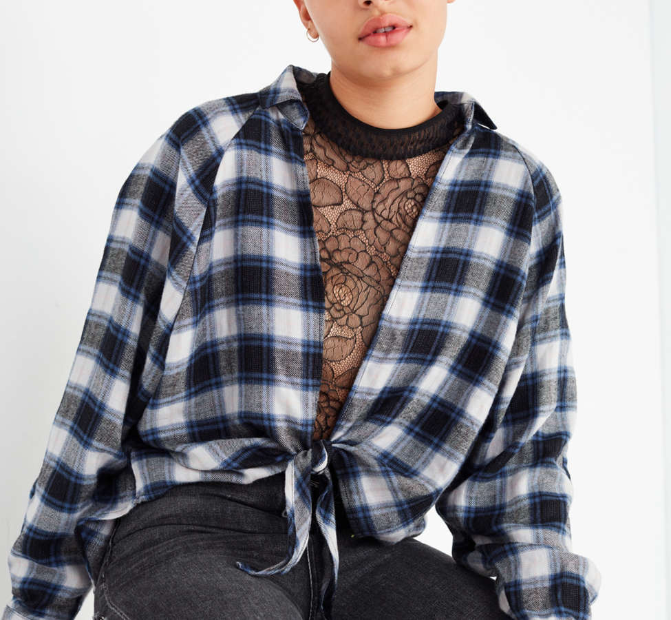 Slide View: 1: UO Courtney Tie-Front Flannel Top