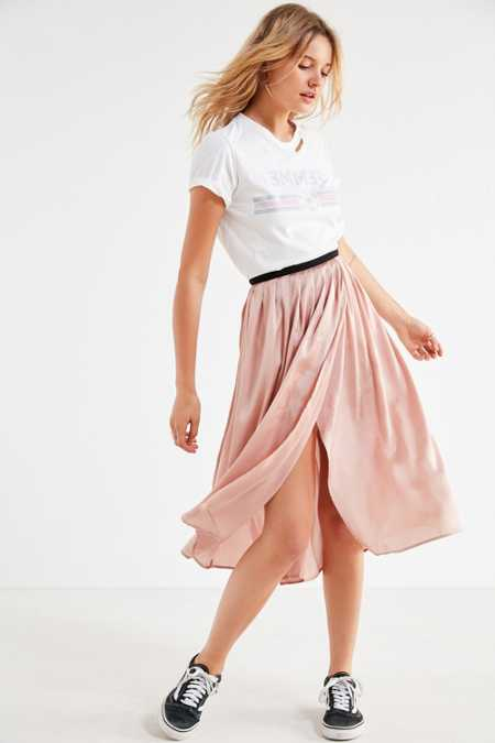 UO Windswept Pleated Midi Skirt