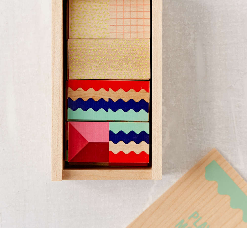 Slide View: 6: UO Modern Dominoes Box Set