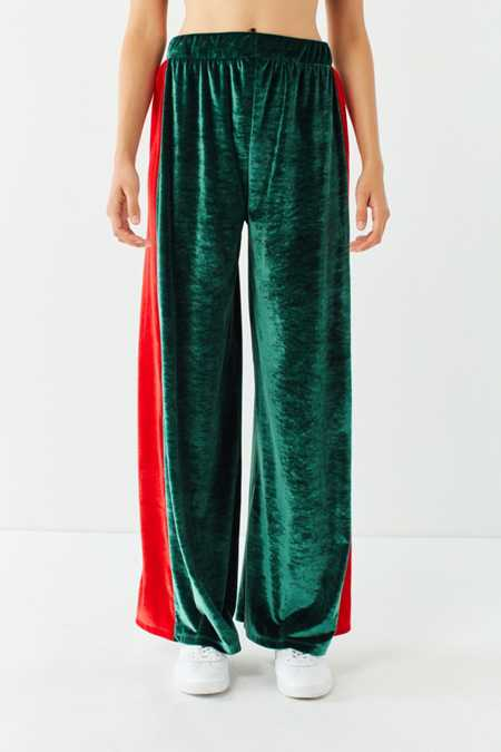 Slide View: 2: UO Striped Velour Wide-Leg Pant