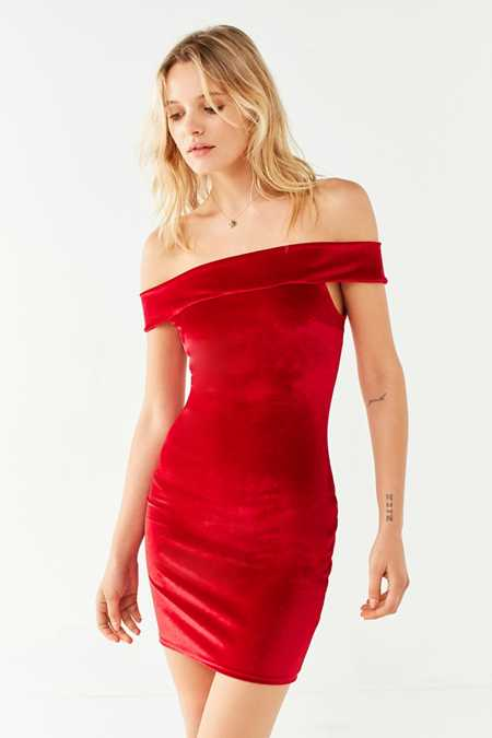 UO Off-The-Shoulder Velvet Bodycon Dress