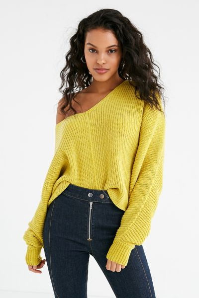 UO Oversized Chenille V-Neck Sweater - Yellow XS at Urban Outfitters