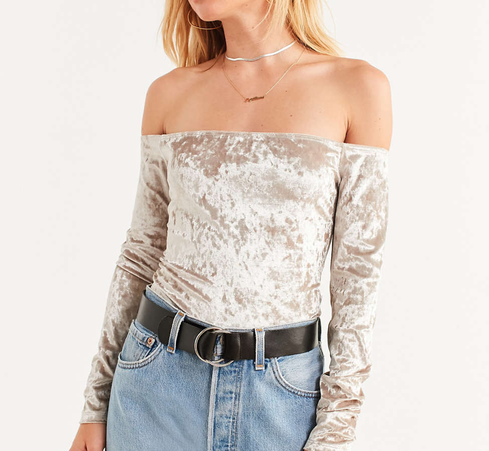Slide View: 1: UO Off-The-Shoulder Velvet Top