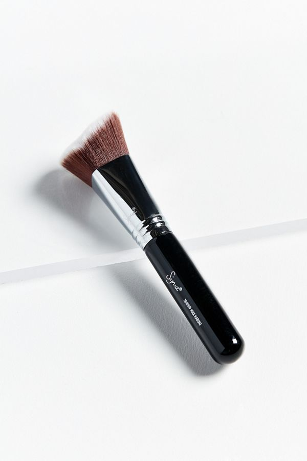 Sigma Beauty 3dhd Kabuki Makeup Brush Urban Outfitters - Kabuki-makeup
