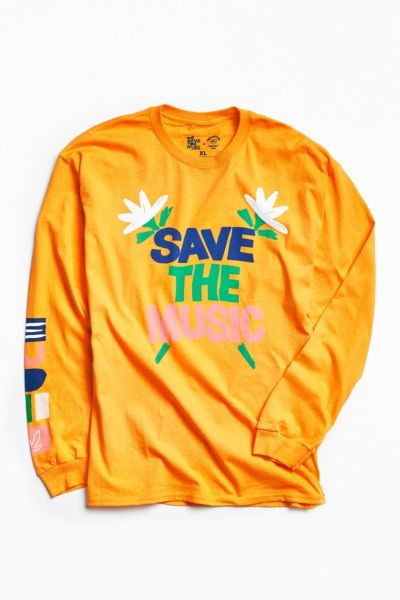 UO + VH1 Save The Music Foundation Long-Sleeve Tee - Gold M at Urban Outfitters