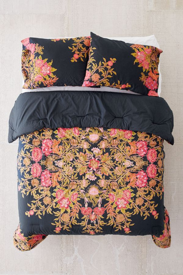 outfitters urban full medallion plum from bed size bedding effie p bow comforter