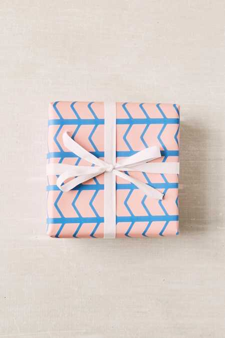 BASH Pink Zig-Zag Wrapping Paper