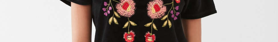 Thumbnail View 1: UO Embroidered Velvet Tee