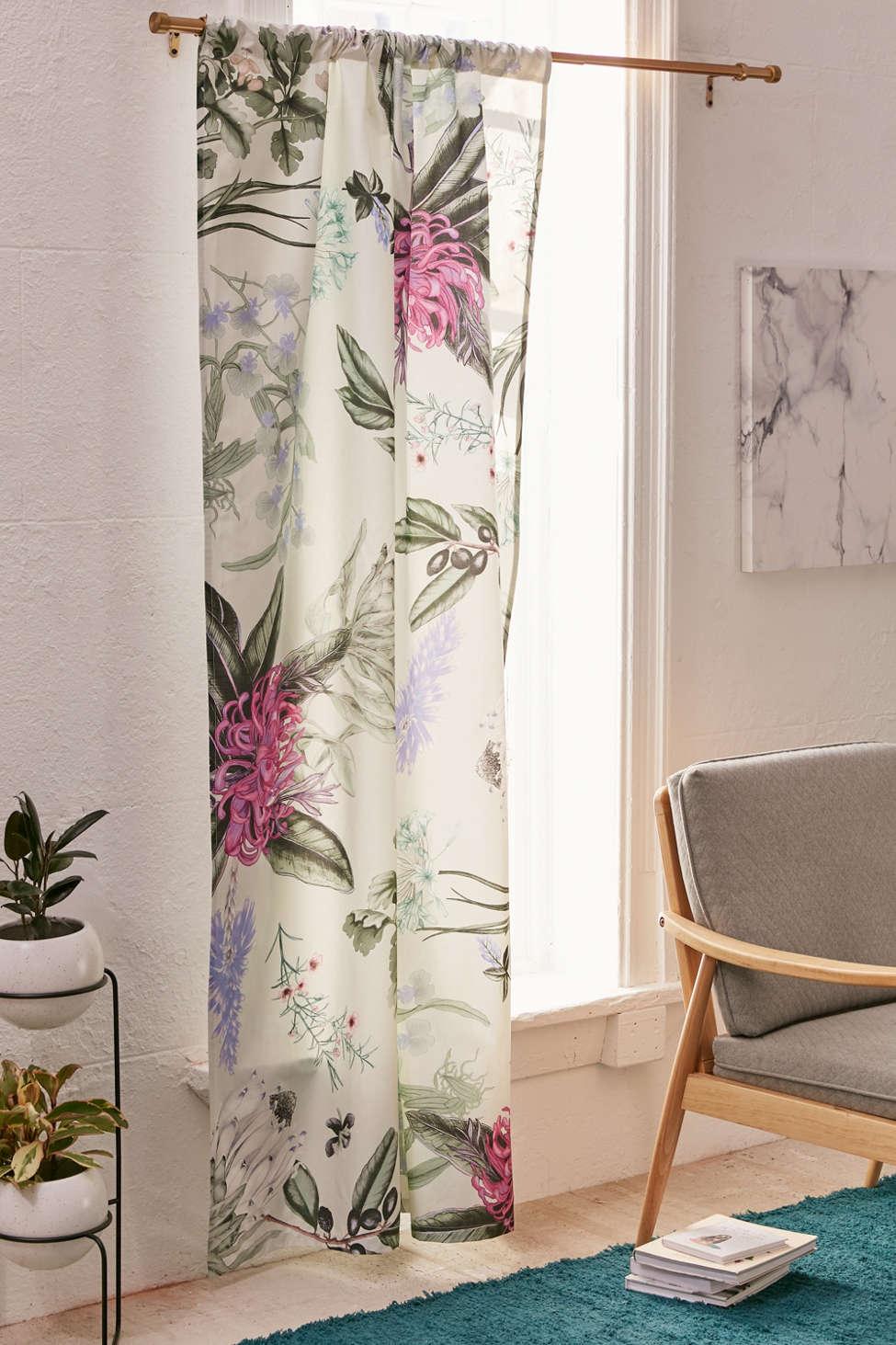 Slide View: 1: Elle Floral Blackout Window Panel