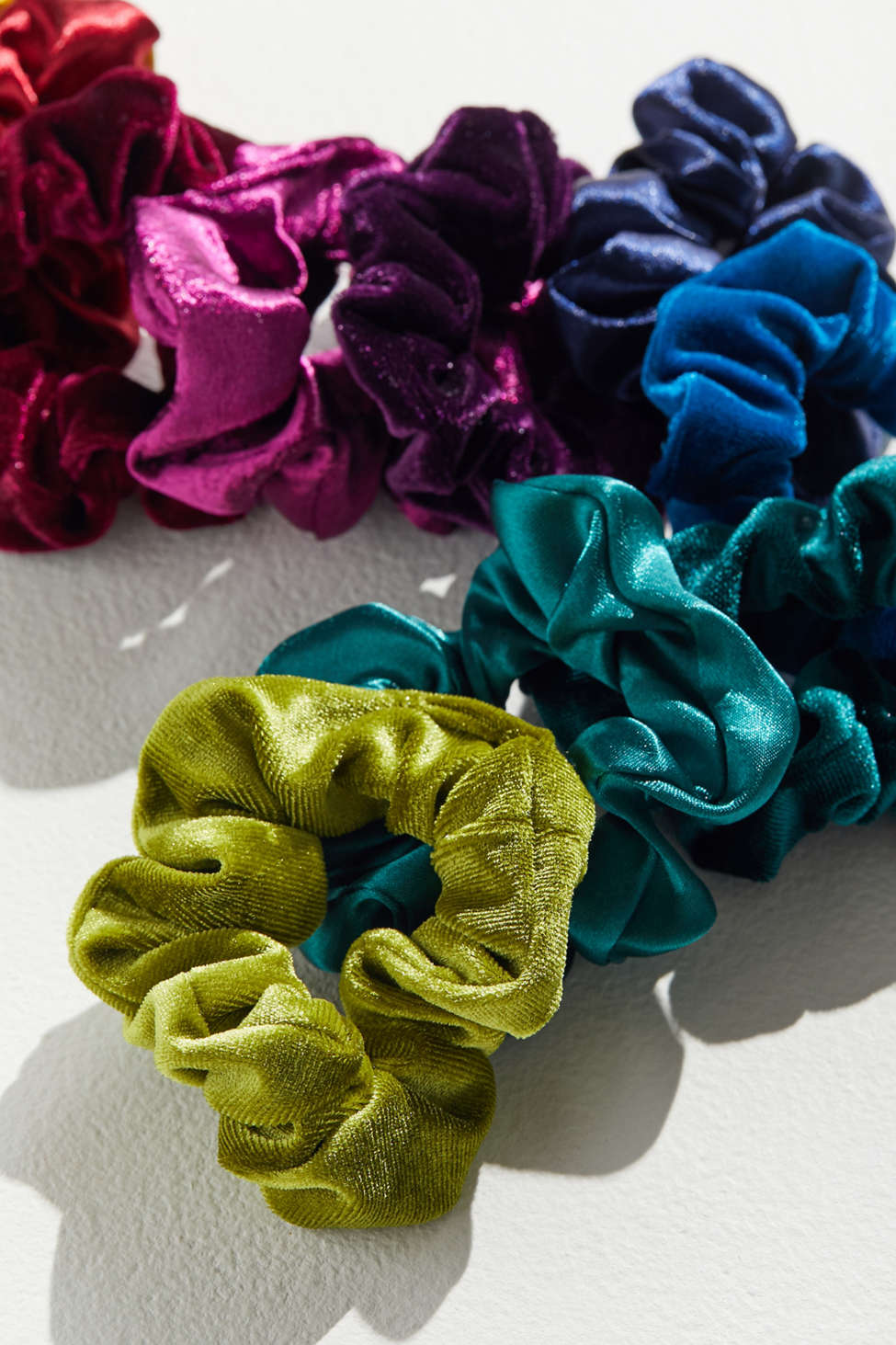 Perfect 10 Scrunchie Set by Urban Outfitters