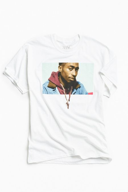 Graphic T-Shirts + Sweatshirts for Men | Urban Outfitters