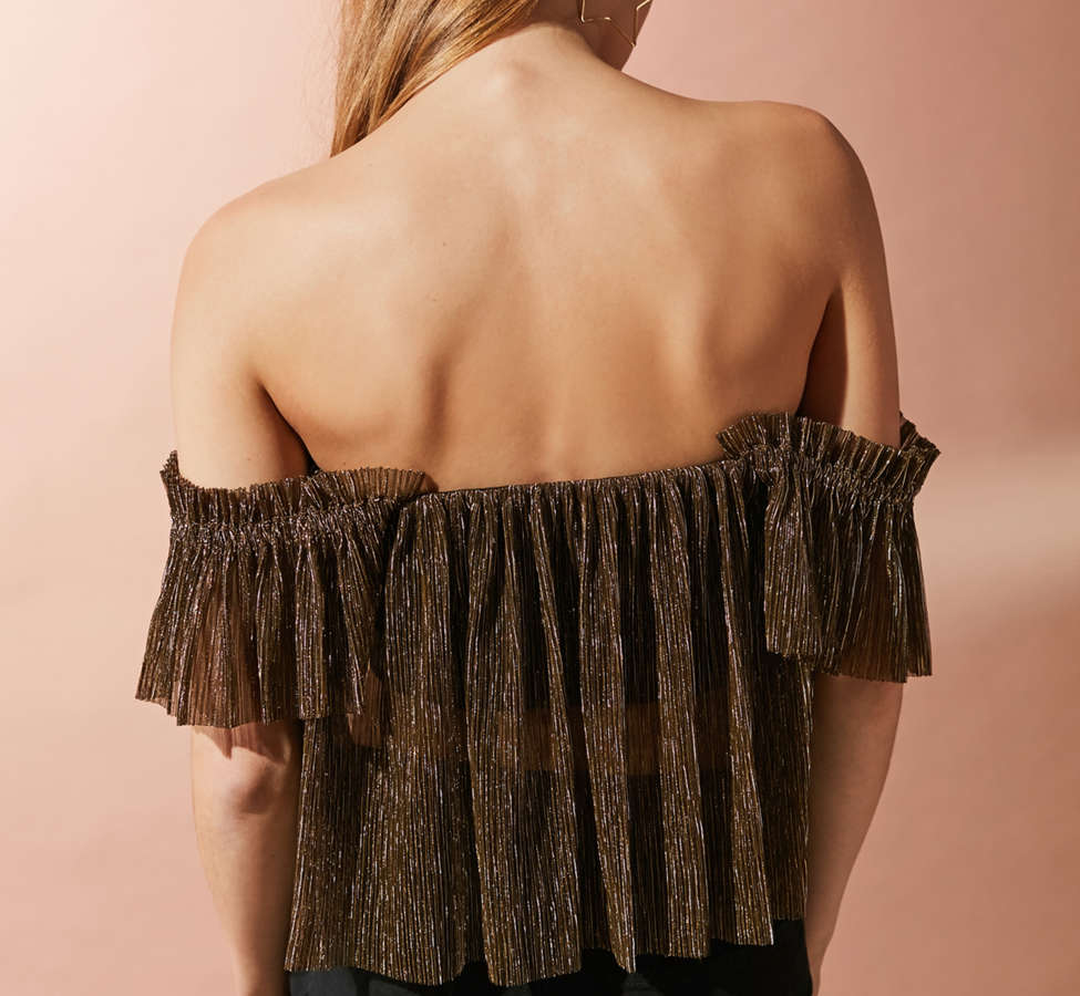 Slide View: 2: UO Pleated Shimmer Off-The-Shoulder Top