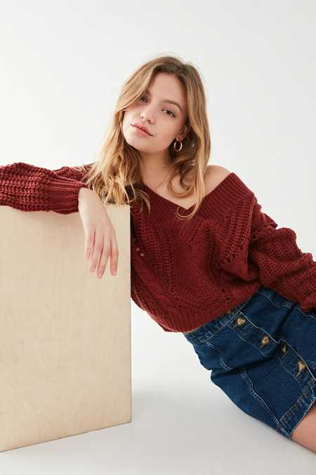 UO Cable Knit V-Neck Sweater