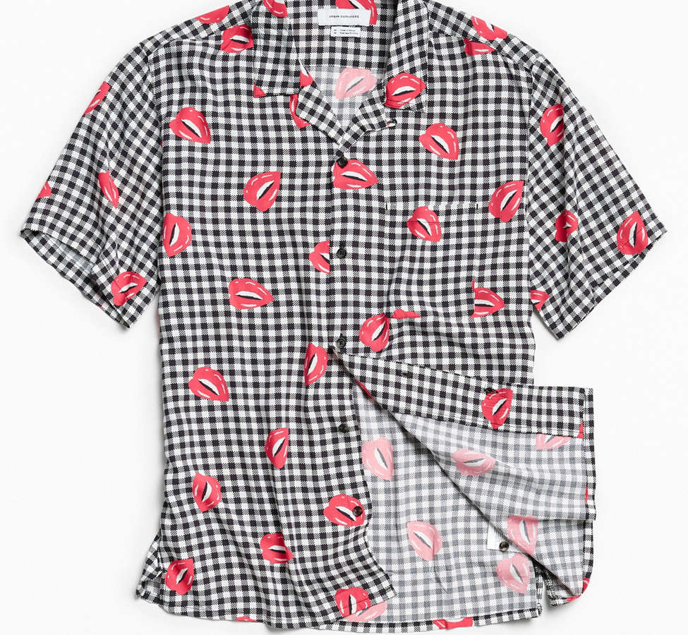 Slide View: 1: UO Liam Pop Gingham Rayon Short Sleeve Button-Down Shirt
