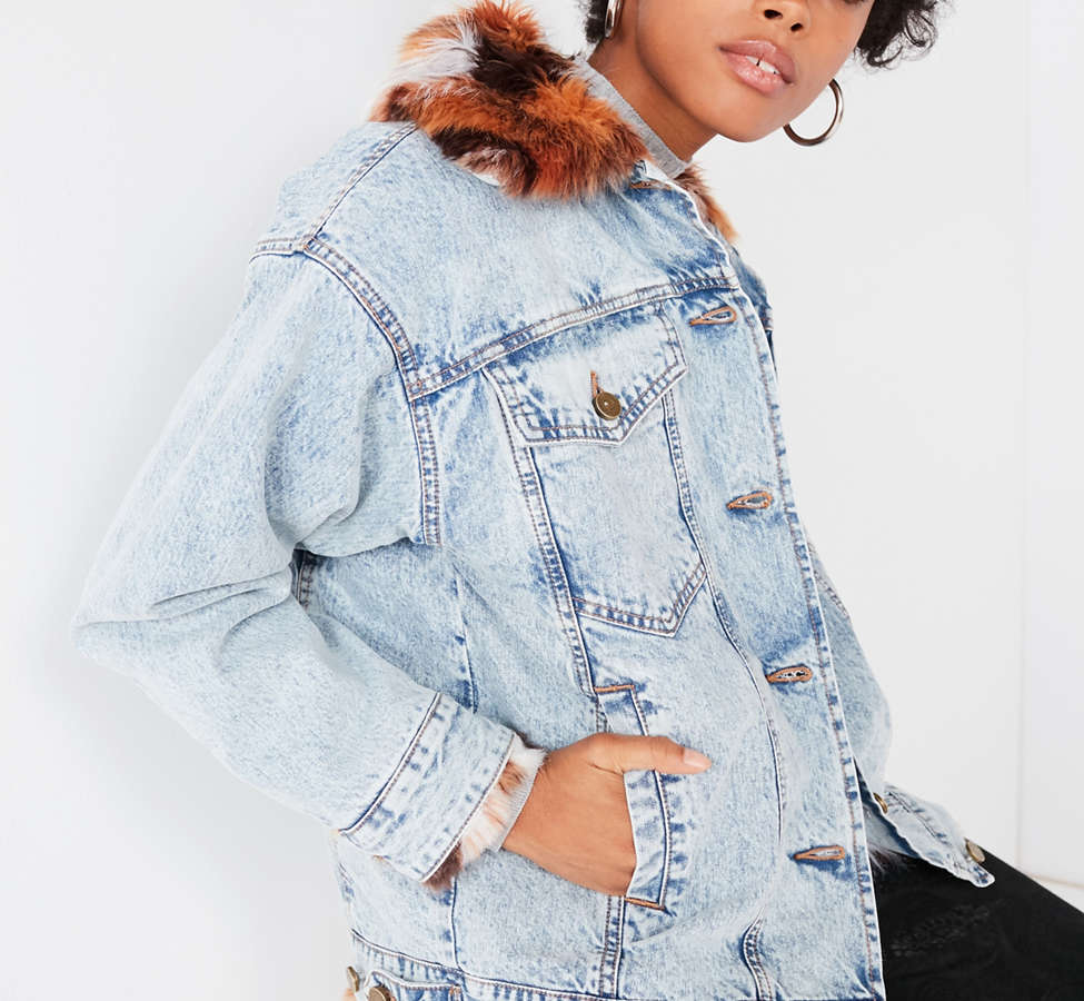 Slide View: 1: UO Faux Fur Lined Denim Trucker Jacket