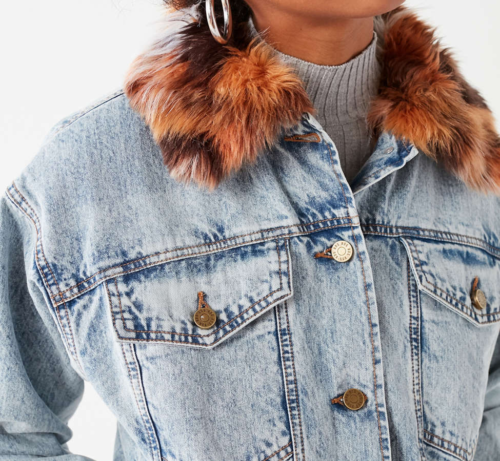 Slide View: 4: UO Faux Fur Lined Denim Trucker Jacket