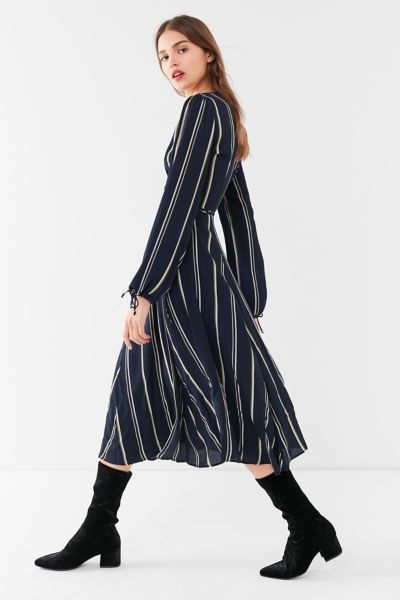 UO Audrey Long-Sleeve Wrap Midi Dress - Blue Multi XS at Urban Outfitters