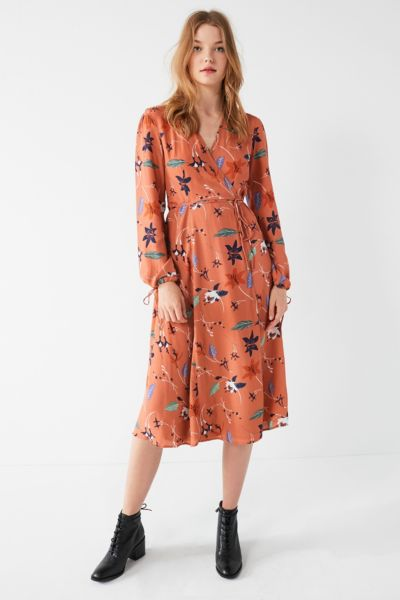 UO Audrey Long-Sleeve Wrap Midi Dress - Rose XS at Urban Outfitters