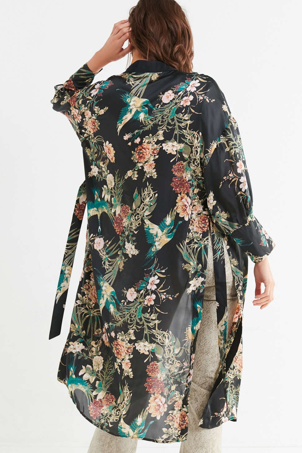 Slide View: 2: Cinched Sleeve Floral Kimono