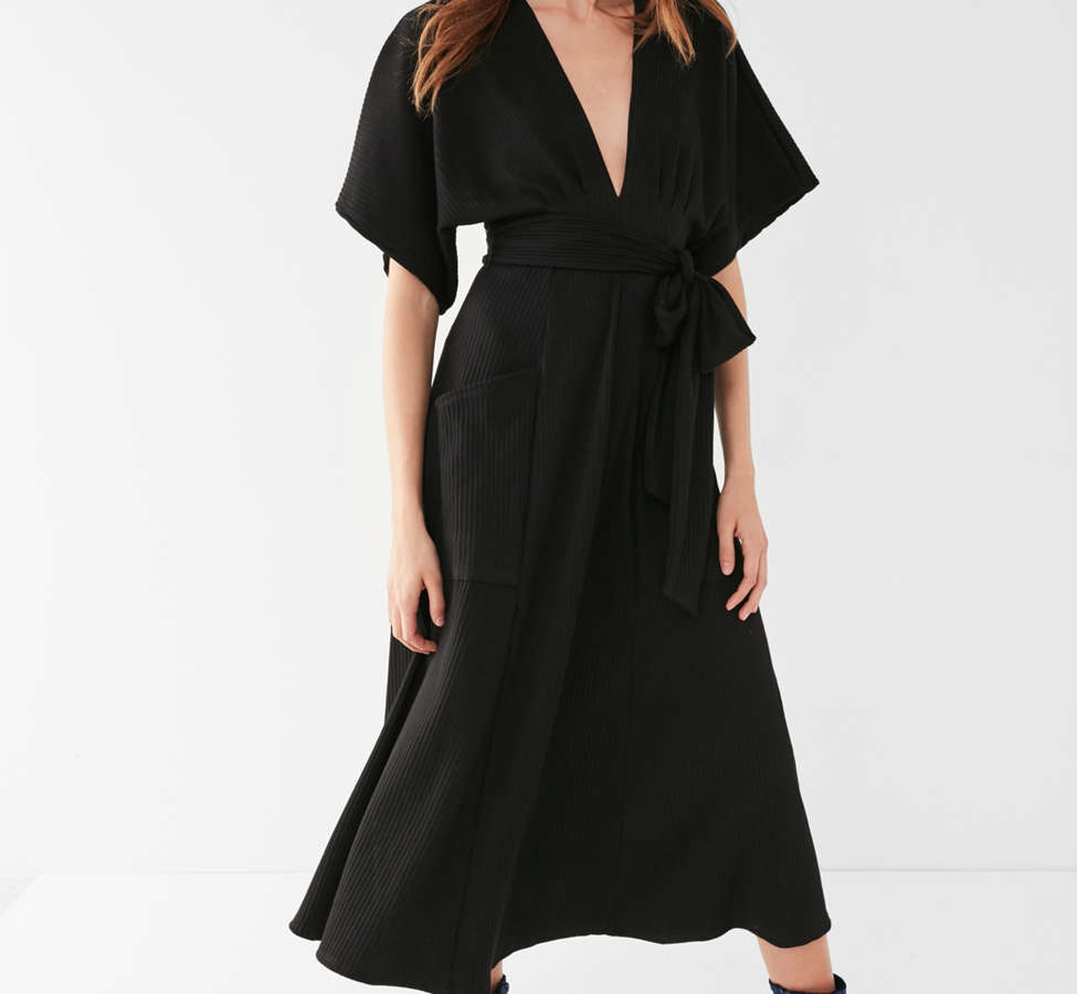 Slide View: 1: UO Ribbed Knit Plunging Midi Dress